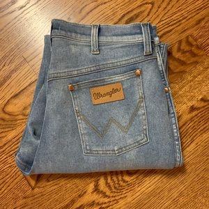 NWOT Wrangler Modern Women jeans